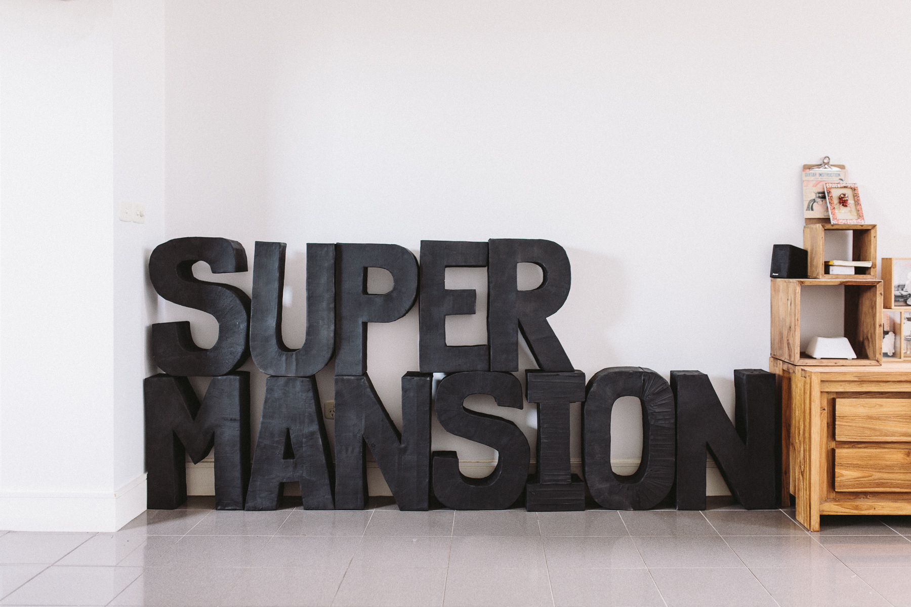 Supermansion-House-Party-Candids-7
